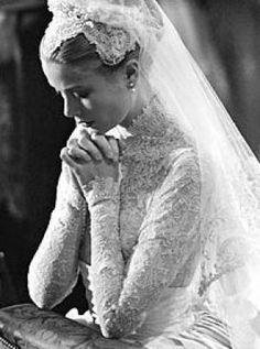 luscious pearl photos - Grace Kelly - wedding dress3.jpg