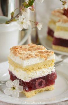 """Cake """"mother-in-revenge"""", cake with jelly, cherries, allmonds flakes, Ciasto """"Zemsta Teściowej"""" kruche z kremem i galaretką wiśniową  http://slodkieniebo.blogspot.com/2016/05/ciasto-zemsta-tesciowej-wisniowa-chmurka.html"""