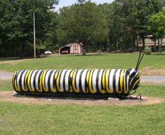 Canned Heat: 12 Folk Art Painted Residential Propane Tanks Garden Yard Ideas, Garden Art, Propane Tank Art, Farm Plans, Garden Of Earthly Delights, Farm Art, Cool Tanks, Tank Design, Outdoor Projects