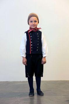 Icelandic Costume Íslenskir Búningar | Flickr - Photo Sharing!