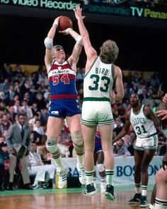 This magnificent specimen of a 31-year-old man is Tom McMillen from the 1983-84 NBA season. He went on to become the tallest member of Congress (at 6-foot-11) in U.S. history.