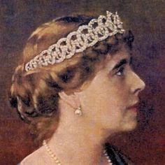 Queen Marie of Romania in loop tiara (hand coloured photo?) ca Tiara is now lost Royal Crown Jewels, Royal Crowns, Royal Tiaras, Royal Jewelry, Tiaras And Crowns, Princess Alexandra, Princess Diana, Circlet, Royal House