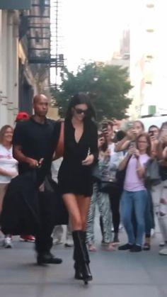 Kendall Jenner Fashion, Kendall Jenner Runway, Kylie Jenner Photoshoot, Kendall Jenner Outfits, Kendalll Jenner, Kyle Jenner, Kardashian Jenner, Kylie Jenner Video, Estilo Kylie Jenner
