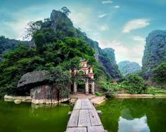 Hoa Lu – Tam Coc (1D) - Price $32/person - Hoa Lu: the remains are the temples dedicated to King Dinh and King Le, the two heroes who lived in 10th century and chose Hoa Lu to build the citadel of the capital city ( from 968 to 1009). Tam Coc: means three caves – considered as Halong Bay on land, sitting on a boat …
