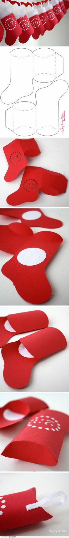 Christmas DIY: Felt stocking advent Felt stocking advent calendar with a bible vs or Christmas fact for each day and a small gift (dollar tree) or candy in each day! Christmas Countdown, Christmas Trivia, Christmas Activities, Christmas Printables, Christmas Projects, Christmas And New Year, Winter Christmas, All Things Christmas, Christmas Holidays