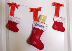Christmas Stockings, Socks, Easy to make - In The Hoop Machine Embroidery Applique design all done In-The-Hoop, for hoop 4x4 and 5x7. $4.99, via Etsy.