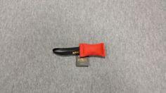 Gryzak z węża strażackiego z jednym uchwytem 6 x 15cm czerwony