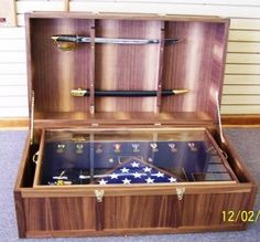 Sea chest custom shadow box Military Retirement, Retirement Gifts, Wood Projects, Woodworking Projects, Custom Shadow Box, Military Shadow Box, Military Memorabilia, Hat Boxes, Usmc