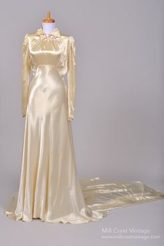 1940 Silk Satin Vintage Wedding Gown : Mill Crest Vintage     [this reminds me of the wedding gown in Sleepless in Seattle]