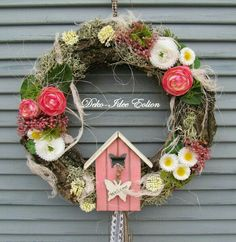 #wreath #colourful #flowers #spring Outside Decorations, Flower Decorations, Christmas Decorations, Diy Wreath, Grapevine Wreath, Egg Art, Easter Wreaths, Summer Wreath, Easter Crafts