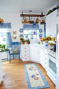 45 French Country Kitchen Design & Decor Ideas - Page 4 of 45 Blue Kitchen Designs, Country Kitchen Designs, French Country Kitchens, Kitchen Colors, Kitchen Country, Country French, Shabby Chic Kitchen, Vintage Kitchen, Küchen Design