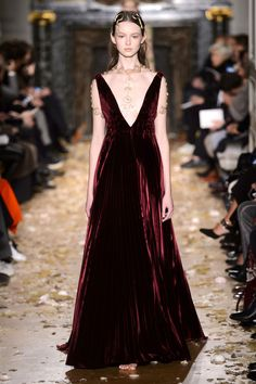 Harper's Bazaar - TheBest Looks From Valentino Couture Spring 2016...