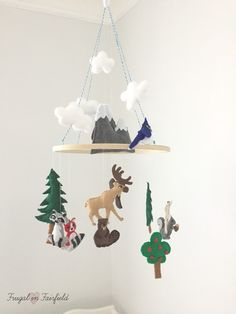 DIY Felt Woodland Mobile. Make this cute mobile for your baby's nursery!