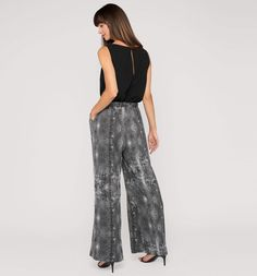 Backimage View Jumpsuit in zwart / wit