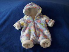 Overalls - Baby Overall, hellblau m. Blumen - ein Designerstück von Christa-Wilbert bei DaWanda