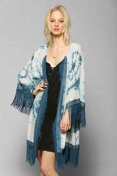 1920s Shawls, Scarves and Evening Jacket Tips: Aqua Flower Print Fringe Kimono £26.99 #1920sfashion #shawl