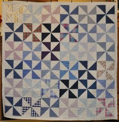 Custom Memory Quilts - Memory Quilt from jeans & shirts Denim Quilts, Denim Quilt Patterns, T-shirt Quilts, Memory Pillows, Memory Quilts, Quilting Projects, Sewing Projects, Old Ties, Memory Crafts