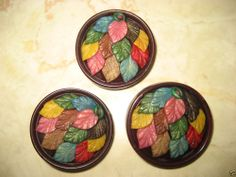 LOT OF 3 VINTAGE MARION WEEBER 1940s CELLULOID LARGE 1 1/2 INCH LEAVES BUTTONS.