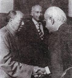 ZAB introduces M Yousuf Khattak to Chairman Mao in 1974