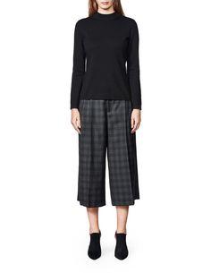 Women's turtleneck pullover in wool. Slightly below hip length. Knitwear, Turtle Neck, Pullover, Pants, Fashion, Trouser Pants, Moda, Tricot, Fashion Styles