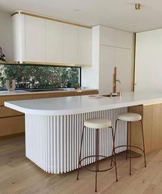 Art Deco Kitchen, Home Decor Kitchen, Interior Design Kitchen, Home Kitchens, Modern Kitchen Designs, Interior Ideas, Kitchen Benches, Kitchen Dinning, Kitchen Trends