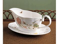 Lenox Butterfly Meadow Gravy Boat With Stand $59.95