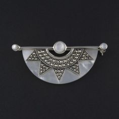 Art Deco star brooch mother of pearl