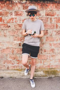 this summer outfit features a nice, monotone overall look with white sneakers for highlight and a custom-made hat for a little elegance White Shoes Men, White Sneakers, Summer Outfits Men, European Fashion, European Style, Outfits With Hats, Older Men, Hats For Men, Overalls