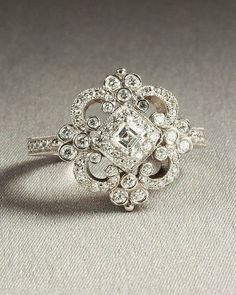 Wish | Vintage / Heirloom Engagement Ring With some aquamarine accents, this would be perfect... ^_^
