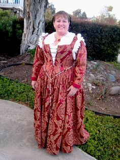 The Italian Showcase - Thea at the Realm of Venus: A Venetian Outfit in the Style of 1590