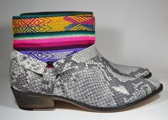 LEATHER ETHNIC BOOTS Size 41 Grey snake Boots Ethnic Boots