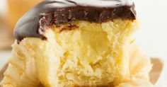 Boston Cream Cupcakes: Vanilla cupcakes filled with pastry cream and topped with chocolate ganache. If you love the flavors of Boston cream, you'll love these!