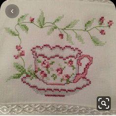 Easy Cross Stitch Patterns, Pony Bead Patterns, Cross Stitch Borders, Cross Stitch Flowers, Cross Stitch Designs, Cross Stitching, Cross Stitch Embroidery, Embroidery Patterns, Cross Stitch Heart