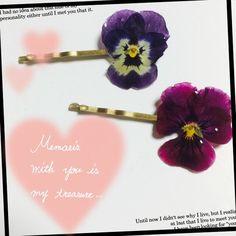 本物のビオラを使ったヘアピンです(*^^*)自然のお花の色味やグラデーションがとてもきれいです(*^^*)世界に1つだけのヘアピンいかがですか?(*^^*)|ハンドメイド、手作り、手仕事品の通販・販売・購入ならCreema。