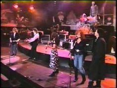 Another one from Farm Aid 4 Indianapolis 1990. John Prine, Bonnie Raitt, Jackson Brown, Kris K.