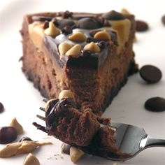 Peanut Butter Cup Chocolate Cheesecake - YUM!!!!!!