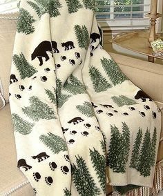 """Denali Microplush® throws are said to """"feel like a hug"""" because of their double thickness. Softer and warmer than fleece"""