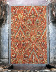 Hand Tufted Wool Featuring An Updated Traditional Design In Over Dyed Tones Of Terra Cotta Red,Pale Green And Yellow. Rustic Mirrors, Rustic Wall Decor, Barn Wood Picture Frames, Rug Store, Throw Rugs, Traditional Design, Handmade Rugs, Decorative Items, Area Rugs