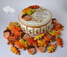Autumn Gingerbread Box, with Leaves by Bocsi Csilla, posted on Cookie Connection