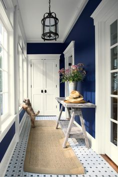 Bold and Memorable Entryways Bold and Memorable Entryways Use your entryway to make a lasting impression. A combination like navy and white is classic, yet bold and memorable. (WALL) Old Navy Aura®, Eggshell (TRIM) Simply White Aura®, Semi-Gloss Best Blue Paint Colors, Blue Wall Colors, Navy Blue Walls, Aura Colors, Entryway Paint Colors, Hallway Paint, Vestibule, Comfortable Living Rooms, Blue Rooms