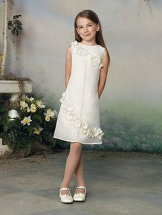 Give your little girl the best-selling simple hand made flowers designer girls formal occasion girls pageant dresses in promtime as a good gift and have her shine like a bright star with flower girl dress,party dresses for girlsand princess dresses. Girls First Communion Dresses, Girls Pageant Dresses, Ball Dresses, Ball Gowns, Cute Wedding Dress, Fall Wedding Dresses, Colored Wedding Dresses, Bridesmaid Dresses, Summer Dresses