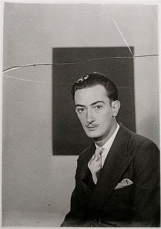 Salvador Dalí, Paris, 1929