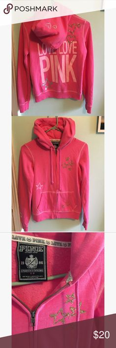 🌺Vs pink sweater Size S . In excellent condition. No holes or stains. All the details are in perfect condition. PINK Victoria's Secret Sweaters