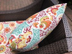 Couch Outdoor Chair Cushions Diy, Outdoor Cushion Covers, Cushions To Make, Slipcovers For Chairs, Foam Cushions, Outdoor Chairs, Outdoor Seating, Cushion Tutorial, Diy Cushion