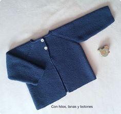 Chaqueta de punto bobo para bebé paso a paso - laia - Baby Cardigan Knitting Pattern Free, Cardigan Pattern, Baby Knitting Patterns, Baby Patterns, Knitting For Kids, Crochet For Kids, Knit Crochet, Easy Knitting, Cardigan Bebe