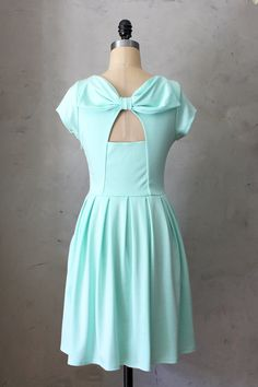 Holly Golightly Mint - Pastel green dress / pockets // pleated skirt // back cut out // bridesmaid // vintage inspired // party