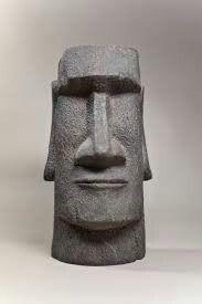 Easy Clay Sculptures, Sculpture Head, Paper Mache Sculpture, Pottery Sculpture, Easter Island Statues, Tiki Head, Tiki Mask, Atelier D Art, Stone Crafts