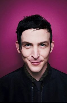 Robin Lord Taylor imagens Robin Lord Taylor ~ TV Guide Magazine HD wallpaper and background fotografias Pretty Men, Beautiful Men, Beautiful People, Robin Lord Taylor, Anthony Carrigan, Riddler Gotham, Sean Pertwee, Penguin Gotham, Gotham Cast