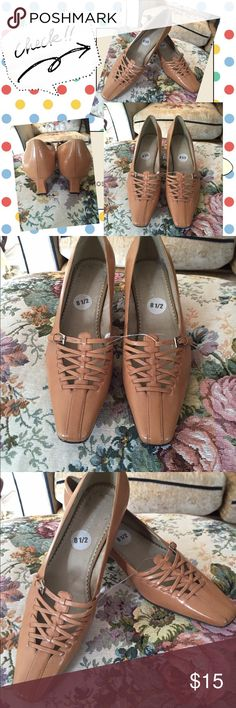 "Naturalizer tan shoes.8-1/2.NWOT Naturalizer tan shoes.2"" heels, 8-1/2 size.NWOT Naturalizer Shoes Heels"
