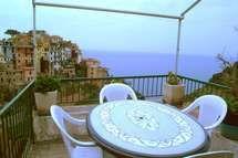 Villas In Italy, Outdoor Furniture Sets, Outdoor Decor, Vacation Apartments, Tuscany, Patio, Cinque Terre, Holiday, Homes